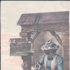 Postales: POSTAL MUJER REGANDO - JAULA PAJARO CANARIO - CIRCULADA 1904 - H MANUEL PARIS - MIMI PIMSUN. Lote 177368502