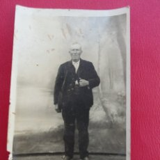 Postales: POSTAL HOMBRE ANCIANO. FOTO DE ESTUDIO. PP.S.XX.. Lote 179343097