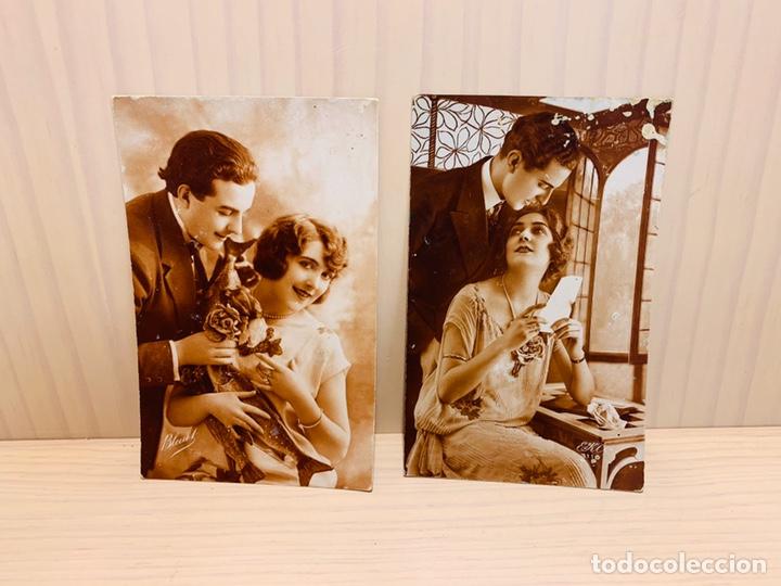 DOS POSTALES ANTIGUAS PINTADAS A MANO FABRICADAS EN FRANCIA (Postales - Postales Temáticas - Galantes y Mujeres)