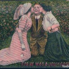 Postales: POSTAL FOR HE WAS A JOLLY GOOD FELLOW - DIBUJODE GALAN BESADO POR DOS MUJERES - CIRCULADA. Lote 191711318