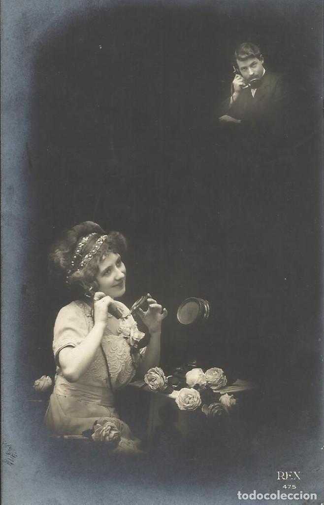 POSTAL BLANCO NEGRO. MUJER HOMBRE TELÉFONO. REX PARÍS. 475. 1912. 14X9 CM. MODERNISTA. ART NOUVEAU. (Postales - Postales Temáticas - Galantes y Mujeres)