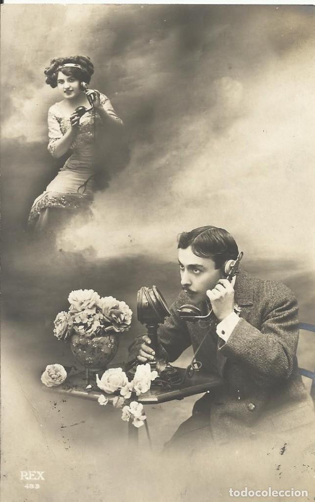 POSTAL BLANCO NEGRO. MUJER HOMBRE TELÉFONO. REX PARÍS. 475. 1911. 14X9 CM. MODERNISTA. ART NOUVEAU. (Postales - Postales Temáticas - Galantes y Mujeres)