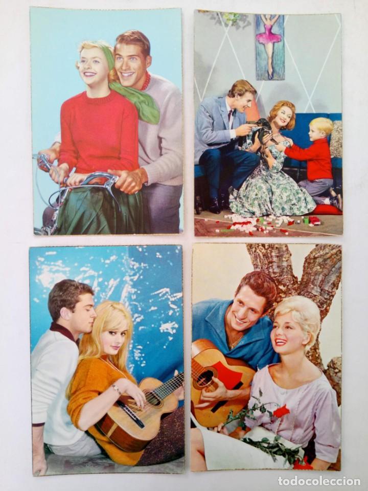 LOTE 12 POSTALES ROMÁNTICAS- FAMILIARES CON BORDE DORADO AÑOS 50 (VER FOTOS) (Postales - Postales Temáticas - Galantes y Mujeres)