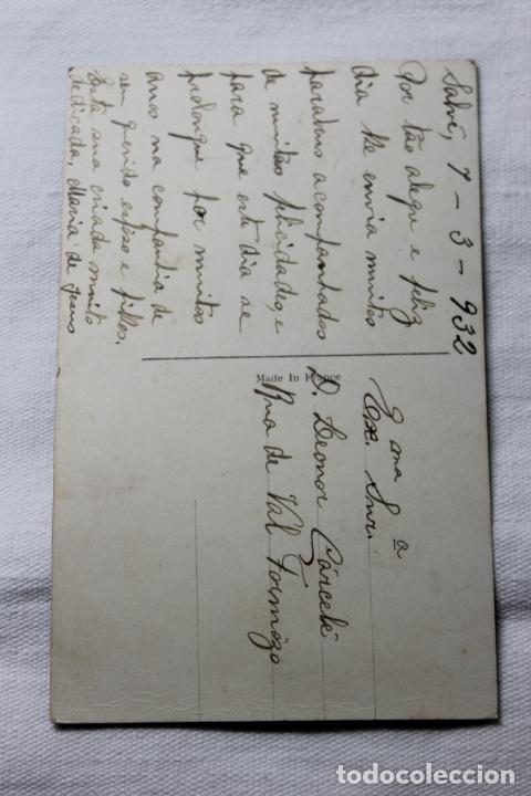 Postales: ANTIGUA POSTAL COLOREADA FAMILIA LEYENDO UN LIBRO - AÑOS 30 -P.C. PARIS 2413 - Foto 2 - 254325285