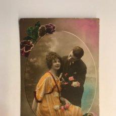 Postales: POSTAL MODERNISTA. EL AMOR CON ROSAS… EDIC. SAPHIR NO.165, (A.1921) DEDICADA…. Lote 269826593