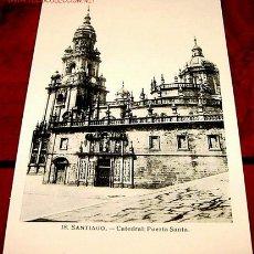 Postales: ANTIGUA POSTAL DE SANTIAGO - PUERTA SANTA. Lote 228652