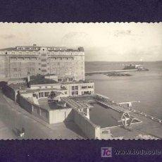 Postales: POSTAL DE A CORUÑA: LA SOLANA, EL FINISTERRE Y CASTILLO DE SAN ANTON (FOT.BLANCO NUM.21). Lote 4798124