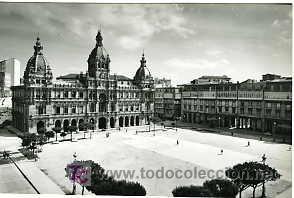 LA CORUÑA. PLAZA DE MARÍA PITA. AYUNTAMIENTO. (Postales - España - Galicia Moderna (desde 1940))