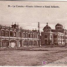 Postales: LA CORUÑA. KIOSKO ALFONSO Y HOTEL ATLANTIC. HELIOTIPIA DE KALLMEYER Y GAUTIER.MADRID.. Lote 25528271