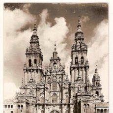 Postales: ANTIGUA POSTAL 130 SANTIAGO DE COMPOSTELA CATEDRAL FACHADA OBRADOIRO ED.ARRIBAS CIRCULADA 1962. Lote 10095944