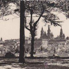 Postales: SANTIAGO DE COMPOSTELA: VISTA GENERAL: BONITA TARJETA POSTAL L. ROISIN - FOTO. USADA.. Lote 16286902