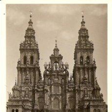 Postales: SANTIAGO - FACHADA DE LA CATEDRAL - MÁRGARA - CIRCULADA AÑOS 30. Lote 16586726