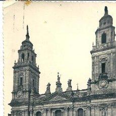 Postales: 7378 - LUGO - FACHADA PRINCIPAL DE LA CATEDRAL - EDIC. ARRIBAS - CIRCULADA 1950. Lote 26312859