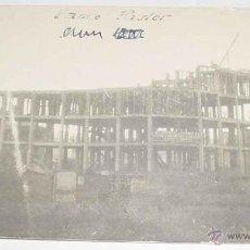 Postales: ANTIGUA FOTO POSTAL DE LA CORUÑA - CONSTRUCCION DEL EDIFICIO DEL BANCO PASTOR, TOMADA EN 1922 - MUY . Lote 39545898