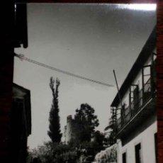 Postales: ANTIGUA FOTO POSTAL DE SARRIA (LUGO) VISTA DEL CASTILLO . ED. GRECOR . SIN CIRCULAR. Lote 39547451