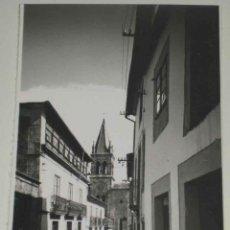 Postales: ANTIGUA FOTO POSTAL DE SARRIA (LUGO) CALLE MAYOR. ED. GRECOR . MARGARA, SIN CIRCULAR. Lote 39548192