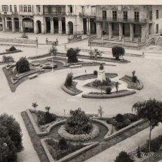 Postales: RIBADEO - LUGO - GALICIA - POSTAL AÑOS 50 FOTOGRAF. - JARDINES PARQUE MUNICIPAL - EDICIONES PEREZ. Lote 44111544