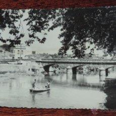 Postales: FOTO POSTAL DE PADRON (A CORUÑA) PUENTE SOBRE EL SAR ENCAUZADO, ED. ALARDE, SIN CIRCULAR. Lote 50200433