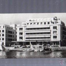 Postales: TARJETA POSTAL DE LA TOJA, PONTEVEDRA - GRAN HOTEL DESDE EL MAR. 901. EDICIONES ARRIBAS. Lote 51725965