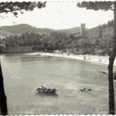 Postales: PS5177 BAYONA 'PLAYA DE LA BARBEIRA'. EDICIONES GARCÍA GARRABELLA. CIRCULADA EN 1956. Lote 46071201