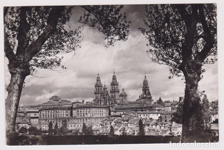 SANTIAGO DE COMPOSTELA VISTA PARCIAL. ED. ARTIGOT Nº118. PERFECTO ESTADO. (Postales - España - Galicia Moderna (desde 1940))