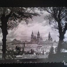 Postales: FOTO POSTAL TROQUELA DE SANTIAGO DE COMPOSTELA. Lote 85111800