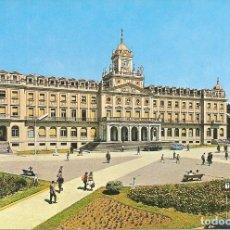 Postales: POSTAL, EL FERROL DEL CAUDILLO, PALACIO MUNICIPAL, ED. GARRABELLA, ESCRITA. Lote 124563447