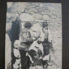 Postales: GALICIA - VENDIENDO PELLEJOS - FOTOGRAFICA FERRER CORUÑA -VER FOTOS-(53.094). Lote 127246423