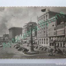 Postales: LA CORUÑA. OBELISCO Y CANTONES DE JOSÉ ANTONIO. ED. GARRABELLA. Lote 128536871