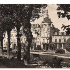 Postales: RIBADEO - PLAZA DE ESPAÑA - FOTO J. F. C - SIN CIRCULAR. Lote 137667594