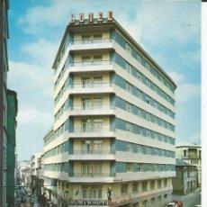 Postales: POSTAL EL FERROL - HOTEL ALMIRANTE - FAMA 1973 (COCHES SEAT 600). Lote 140293978