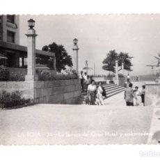 Postales: PONTEVEDRA. LA TOJA. GRAN HOTEL, TERRAZA Y EMBARCADERO. Lote 141834250