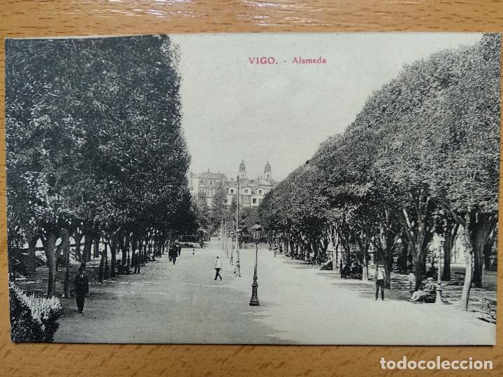 VIGO -ALAMEDA ,EDC.LIBRERIA E.B TETILLA (Postales - España - Galicia Antigua (hasta 1939))