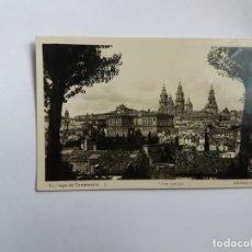 Cartoline: TARJETA POSTAL - 1948 SANTIAGO DE COMPOSTELA 1 - VISTA GENERAL - ED. ARRIBAS. Lote 168698428