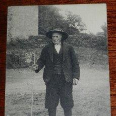 Postales: POSTAL TIPOS GALLEGOS. CAMIÑO D'A YGRESIA. N.6325. FOTOTIPIA THOMAS. NO CIRCULADA.. Lote 176953948