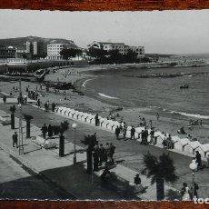 Postales: FOTO POSTAL DE LA CORUÑA, N.63, PLAZA DE RIAZOR, CIRCULADA. ED. LUJO.. Lote 177029937