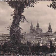 Postales: SANTIAGO DE COMPOSTELA - LA CATEDRAL (DESDE EL PASEO DE LA HERRADURA) (NO. 1) - ED. G. GARRABELLA. Lote 183168470