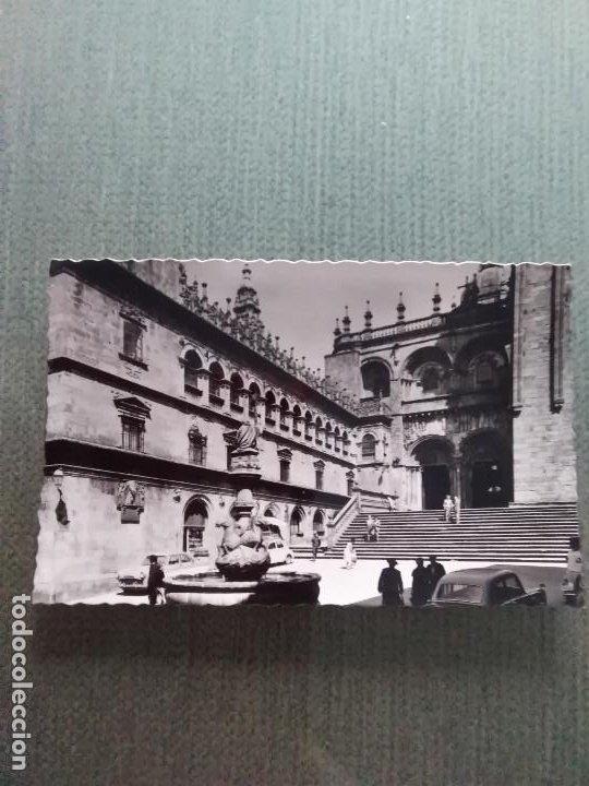 POSTAL SANTIAGO DE COMPOSTELA - FUENTE Y FACHADA DE PLATERIAS (Postales - España - Galicia Moderna (desde 1940))