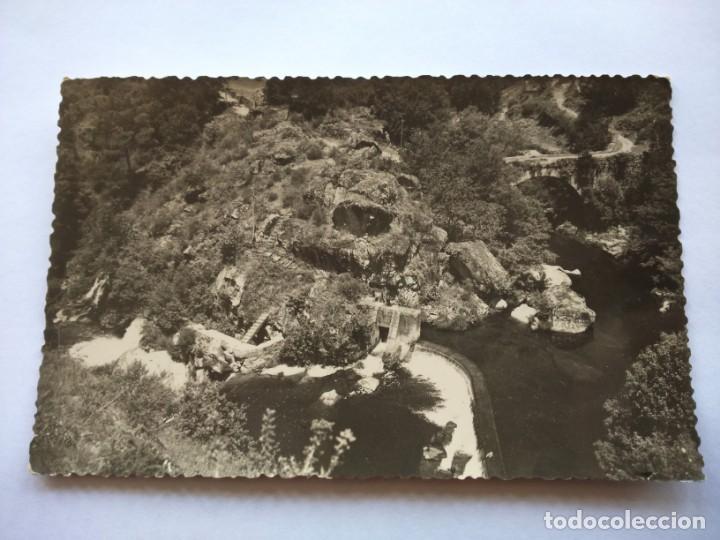 POSTAL -- CALDAS DE REYES - PUENTE ROMANO Y SALTO DE SEGAD -- ESCRITA -- (Postales - España - Galicia Moderna (desde 1940))