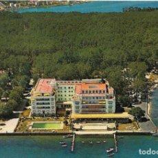 Postales: == B1445 - POSTAL - ISLA DE LA TOJA - GRAN HOTEL. Lote 195347303
