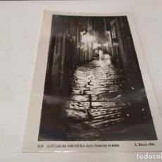 Postales: CORUÑA - POSTAL SANTIAGO DE COMPOSTELA - CALLE GALMÍREZ DE NOCHE. Lote 205148673