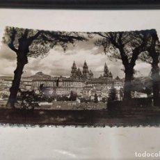 Postales: CORUÑA - POSTAL SANTIAGO DE COMPOSTELA - VISTA PARCIAL DESDE EL PASEO DE LA HERRADURA. Lote 205149662