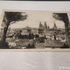 Postales: CORUÑA - POSTAL SANTIAGO DE COMPOSTELA - VISTA PARCIAL. Lote 205150462