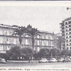 Postales: PONTEVEDRA VIGO HOTEL UNIVERSAL FACHADA FRENTA AL MAR TERRAZA CONCIERTOS. SIN CIRCULAR. Lote 206573755
