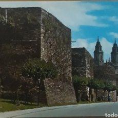 Postales: POSTAL N°472 MURALLA ROMANA AL FONDO CATEDRAL LUGO. Lote 210004825