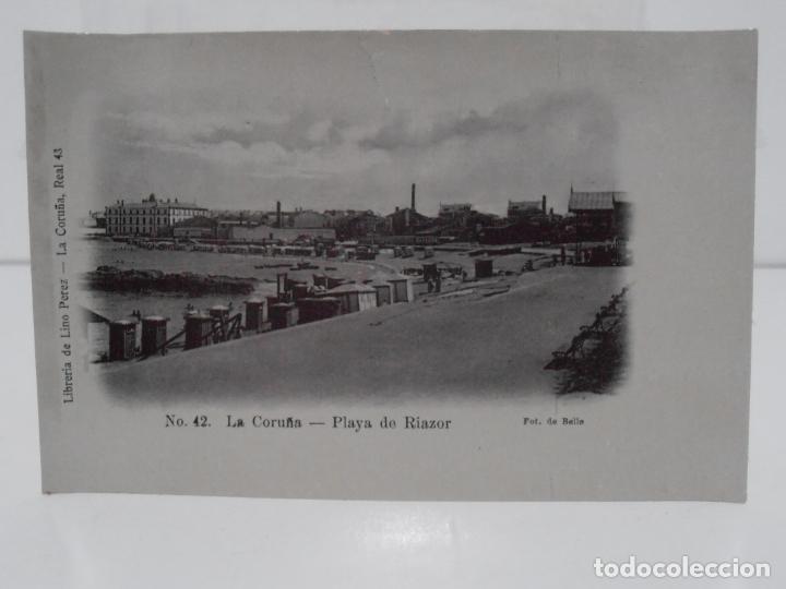 ANTIGUA POSTAL, LA CORUÑA, PLAYA DE RIAZOR, LIBRERIA DE LINO PEREZ, FOT J. GONZALEZ (Postales - España - Galicia Antigua (hasta 1939))