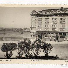 Postales: TARJETA POSTAL LA CORUÑA. HOTEL FINISTERRE. Nº 382. L. ROISIN. Lote 218789418
