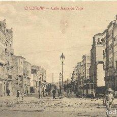 Postales: LA CORUÑA. CALLE JUAN DE VEGA. FOTOTIPIA CASTAÑEIRA, ALVAREZ Y LEVENFELD. BUEN ESTADO. 9X14 CM.. Lote 243625535