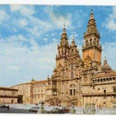 Postales: EM0756 SANTIAGO DE COMPOSTELA CATEDRAL FACHADA DEL OBRADOIRO 1969 PERGAMINO Nº13036 SEAT 600 1500. Lote 257926525