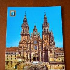 Postales: POSTAL SANTIAGO DE COMPOSTELA. FACHADA PRINCIPAL DE LA CATEDRAL. SIN CIRCULAR.. Lote 263015945